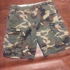 Men's Old Navy sz 36 Camo cargo shorts